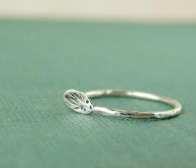  Silver leaf ring. Delicate textured ring in sterling silver.